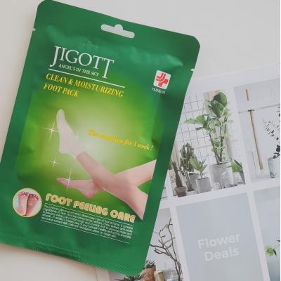 Jigott Clean & Moisturizing Foot Pack Маска-носки для пилинга ног